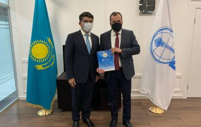 "Chairman of the Board of the Center N. Nazarbayev Altay Abibullayev and President of the American organization ""LYNC"" Wade Kusack discussed the prospects of mutual cooperation"